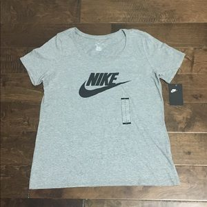 Women's Nike Futura Icon Training Graphic T-Shirt